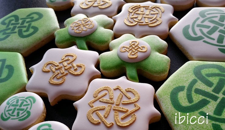 ibicci cookies using the Celtic Knot stencils
