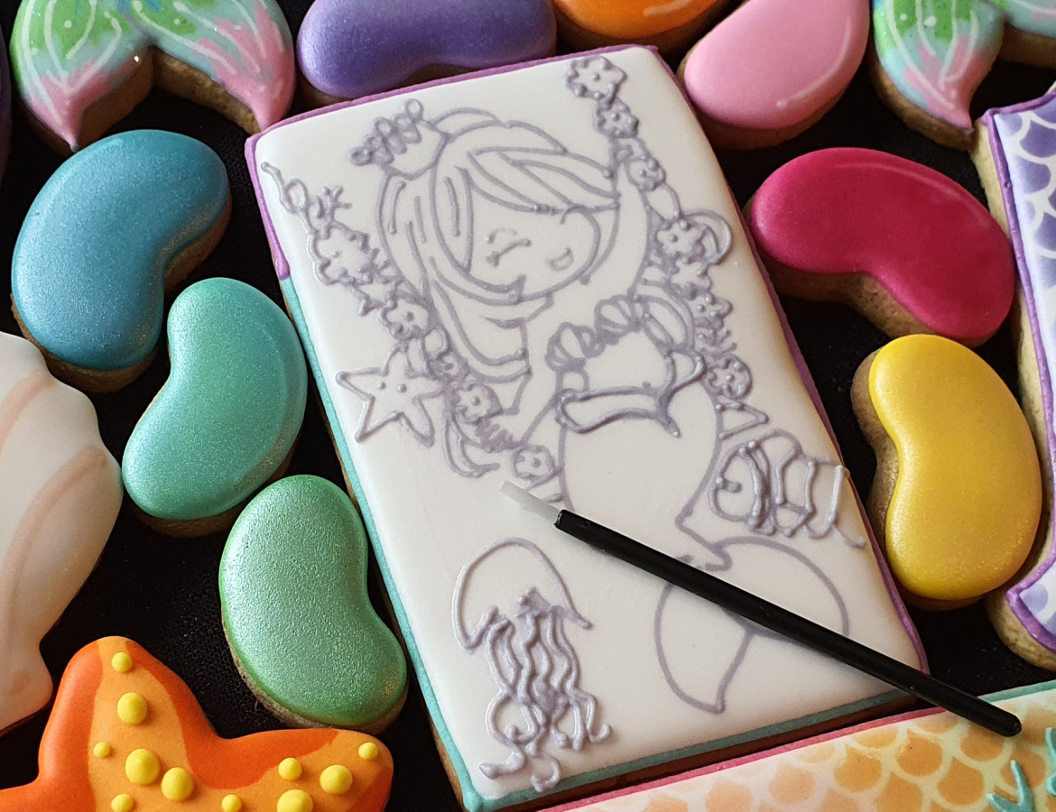 ibicci Hand piped PYO Mermaid cookie with jelly bean paint 'palettes'