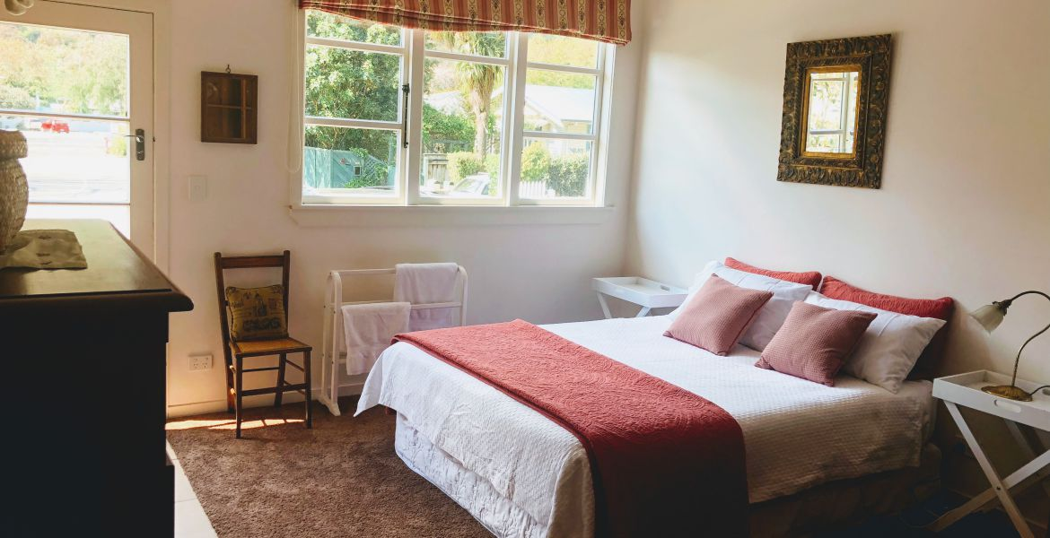 Holiday Home Charming City Centre Cottage,  42 Seymour Avenue, The Brook, Nelson